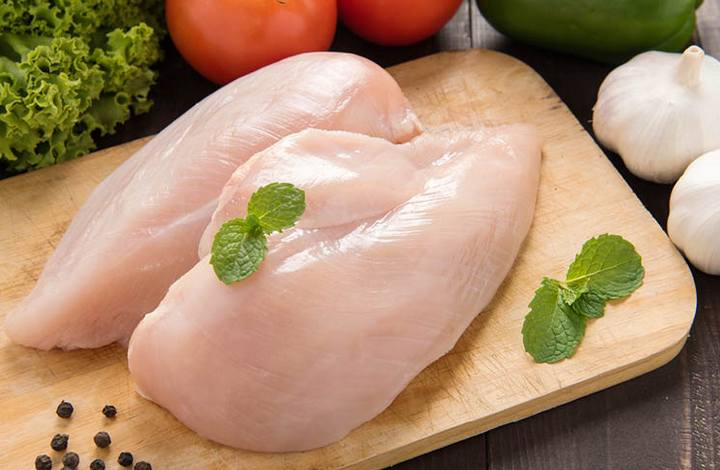how long do you cook a chicken breast in an air fryer
